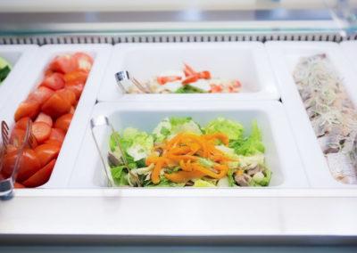Разнообразие выбора шведского стола обеденного зал «Скандинавия» санатория «Русь» в Ессентуках - фотография