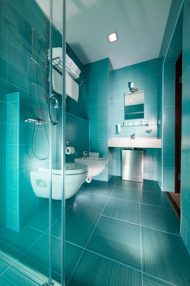 Ванная комната в номере Люкс семейный в санатории Русь в Ессентуках - фотография