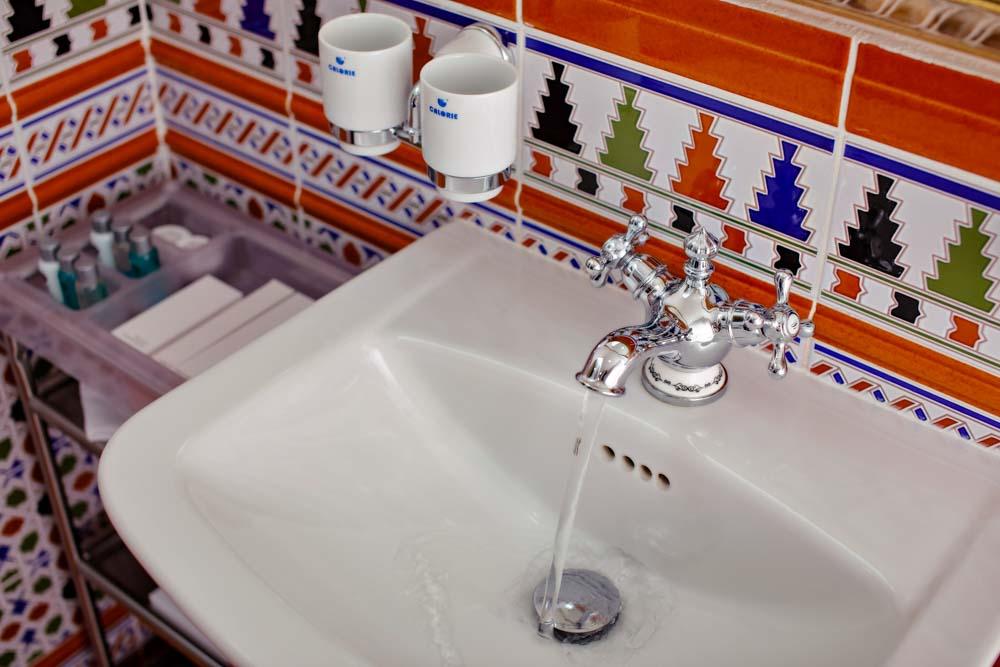 Ванная комната номера люкс восточный в санатории Русь в Ессентуках